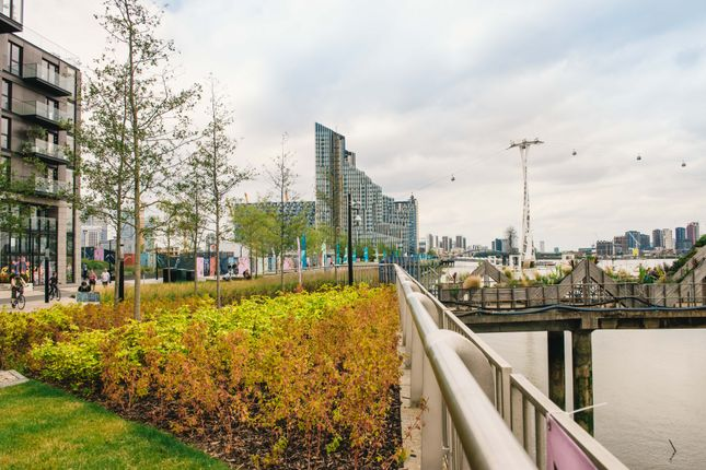River Walk of The Lighterman, 1 Pilot Walk, Lower Riverside, Greenwich Peninsula SE10