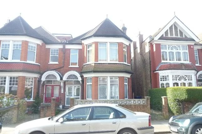Thumbnail Flat to rent in Princes Avenue, Finchley, London