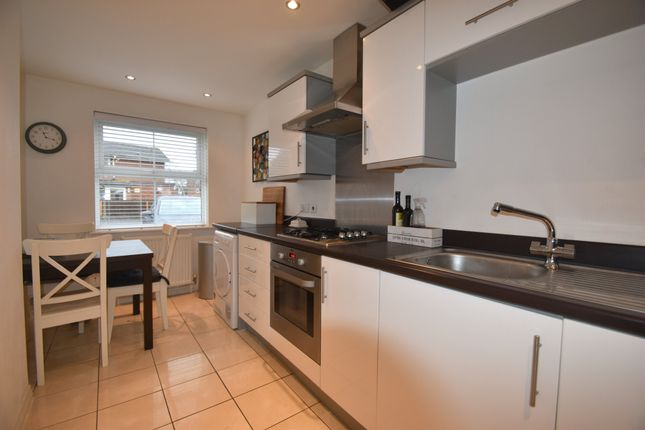 Thumbnail Town house for sale in Lacey Road, Baffins, Portsmouth