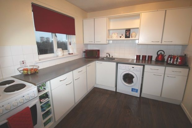 Thumbnail Flat to rent in Edgefauld Road, Springburn, Glasgow