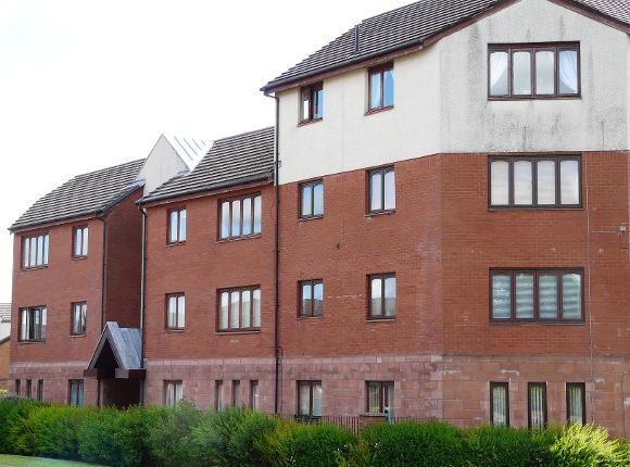 Thumbnail Flat to rent in Longdales Avenue, Falkirk