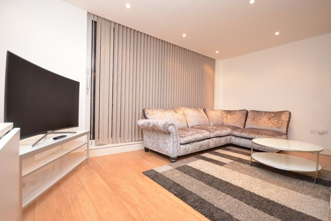 Thumbnail Flat to rent in The Helm, 4 Basin Approach, London