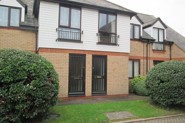 Thumbnail Flat to rent in Stamford Close, Royston