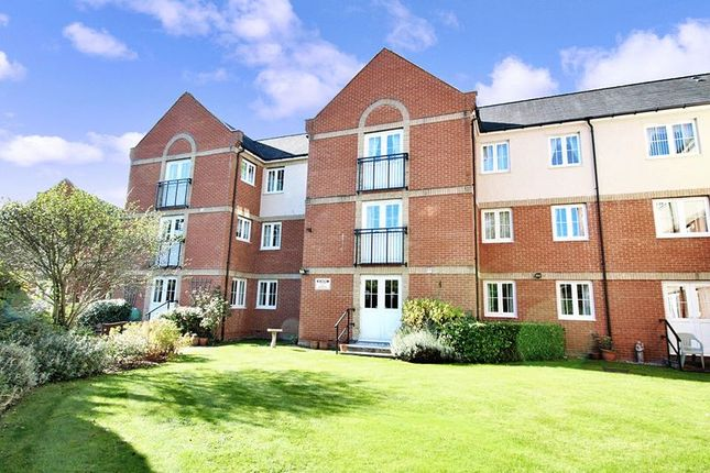 Thumbnail Flat for sale in Riverside Court, Halstead