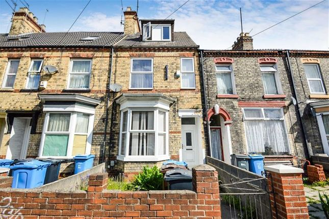 Thumbnail Terraced house for sale in Queens Road, Princes Avenue, Hull