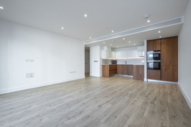 Thumbnail Flat to rent in 17 Stable Walk, London