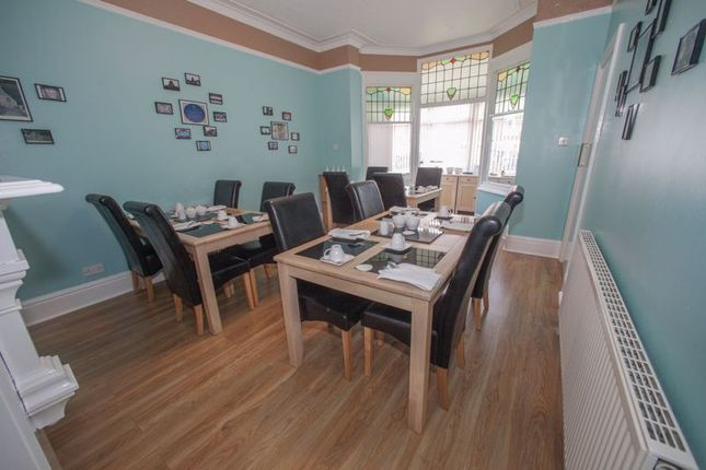 Photo 4 of Tower House Guest House, Pontefract, West Yorkshire WF8