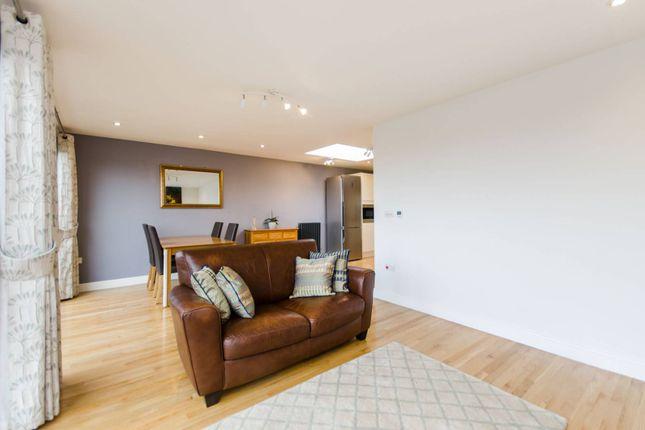 Thumbnail Maisonette to rent in Bellingham Road, Catford