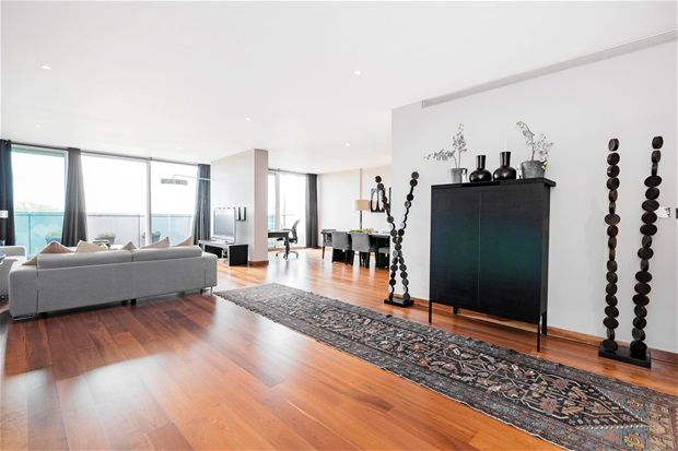 Property for sale in Queenstown Road, London