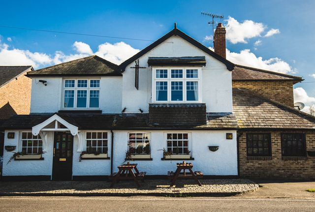 Thumbnail Pub/bar for sale in Ironsbottom, Sidlow