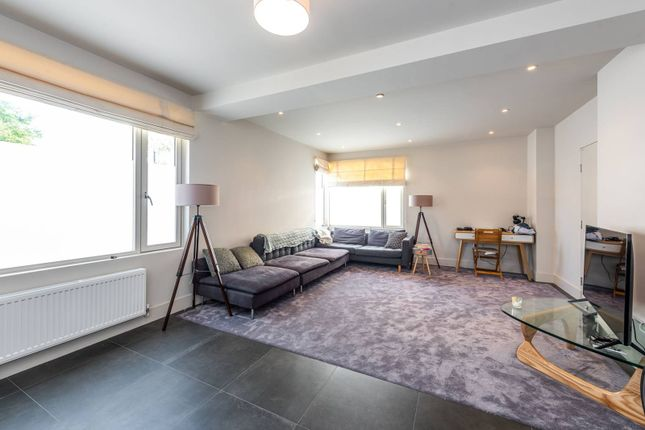 2 bed property for sale in Richborne Terrace, Oval, London SW8