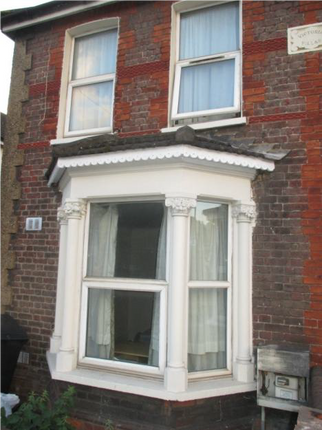 Thumbnail Property to rent in Hughenden Road, High Wycombe
