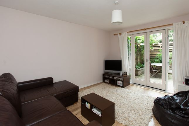 1 bed flat for sale in Barker Drive, London
