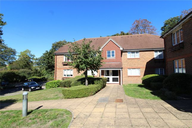 Thumbnail Flat for sale in Evelyn Way, Wallington