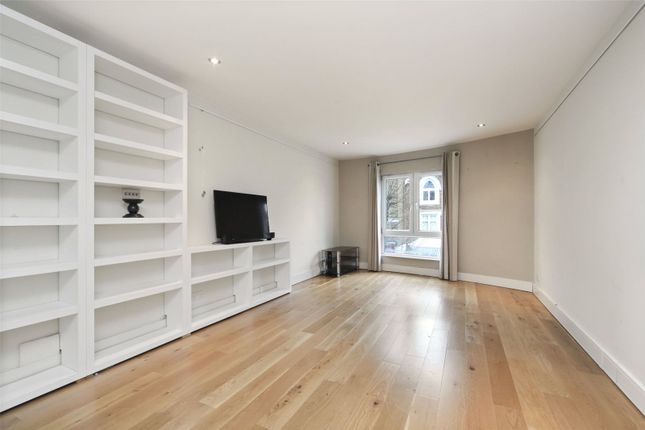 Lounge of Hereford Road, Notting Hill W2