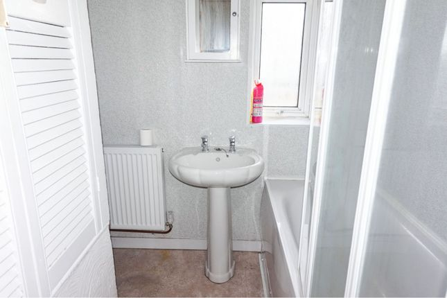 Bathroom of Teilo Crescent, Mayhill, Swansea SA1