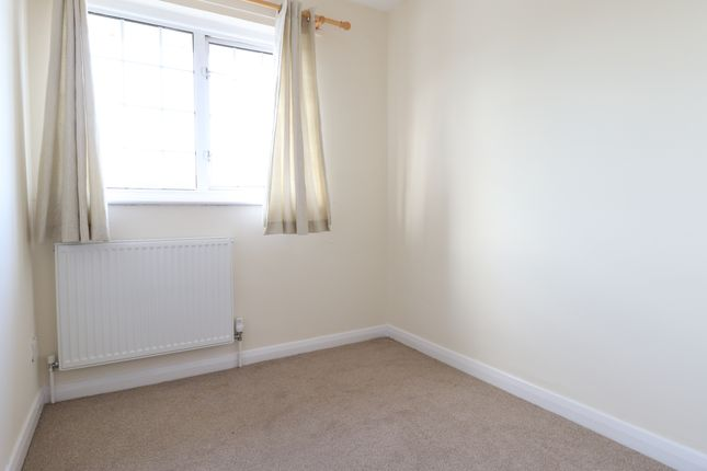 Bedroom of Farman Close, Swindon SN3