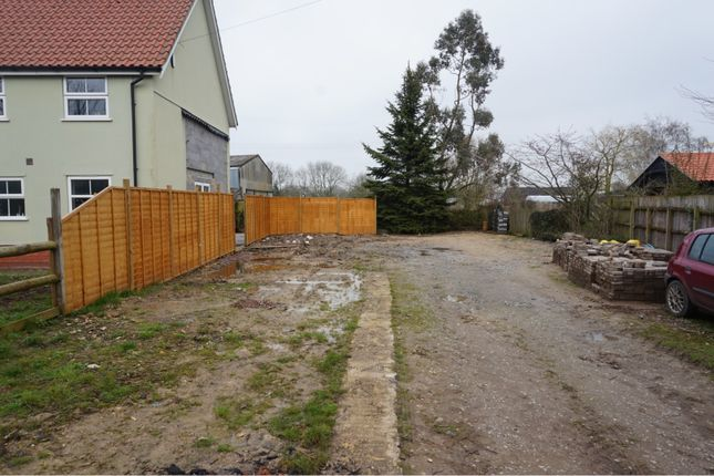 Thumbnail Land for sale in The Common, Mellis