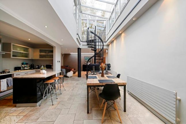 Thumbnail Property to rent in Perrins Lane, Hampstead