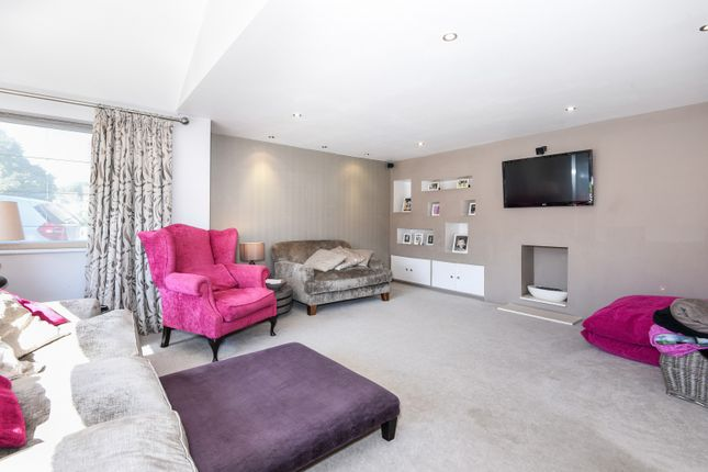 Living Room of Nicholas Road, Henley-On-Thames RG9
