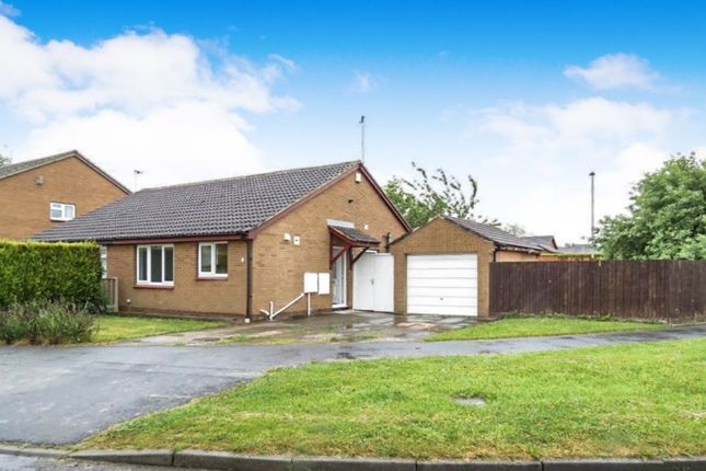 Thumbnail Bungalow to rent in Chelsfield Way, Pendas Fields, Leeds
