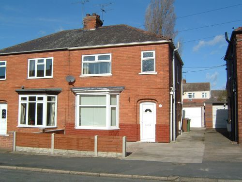 Thumbnail Semi-detached house to rent in Collinson Avenue, Scunthorpe