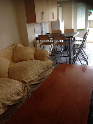 Thumbnail Shared accommodation to rent in Hawthorne Avenue, Uplands Swansea