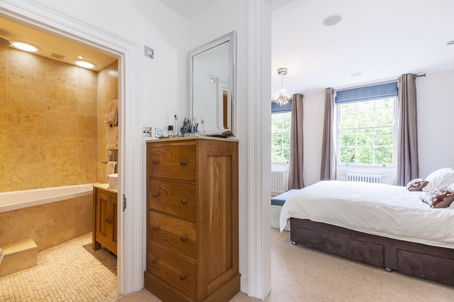 Master Suite of Crooms Hill, London SE10