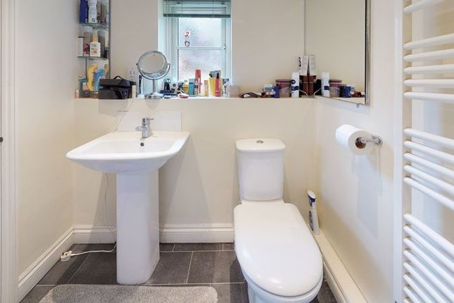 Bathroom of Shotover Kilns, Headington, Oxford OX3