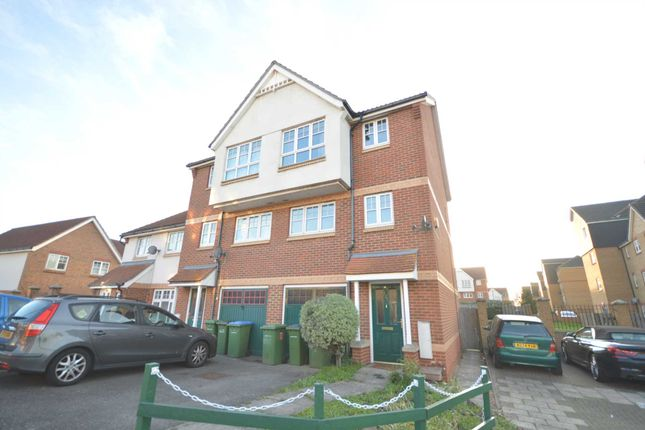 Thumbnail Property to rent in Greenhaven Drive, London