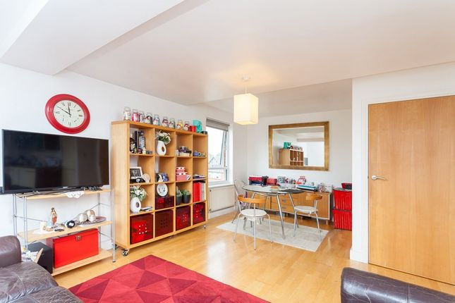 Thumbnail Flat for sale in Acacia Road, London