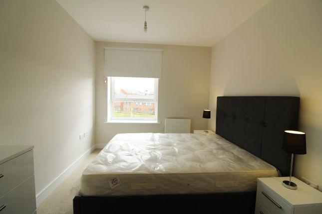 Bedroom 2 of Harlequin House, Padworth Avenue, Reading RG2