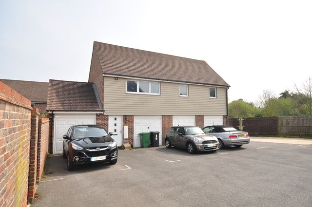 Thumbnail Detached house to rent in Englefield Way, Basingstoke