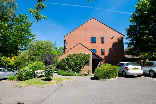 1 bed flat for sale in London Road, Uckfield TN22