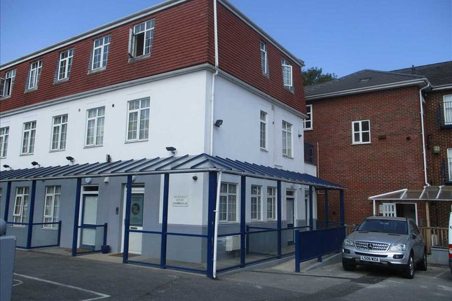 Studio to rent in Moatfield House, Highfield Road, Dartford