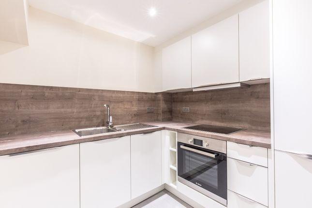 Thumbnail Flat to rent in 54-56, Lattimore Road, Welwyn Garden City