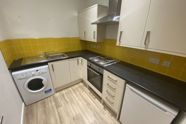 Thumbnail Flat to rent in Cambrian Road, Newport