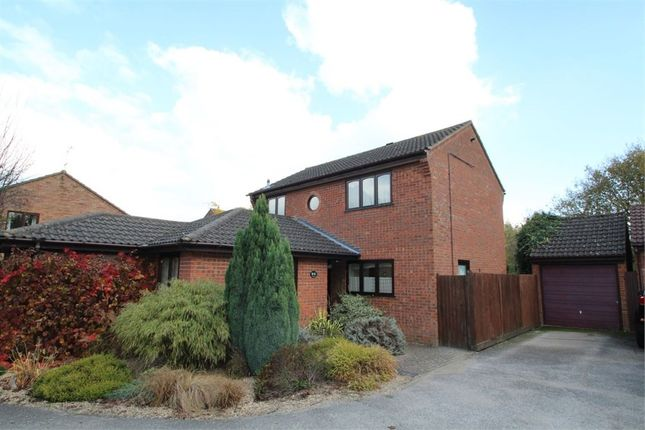 Property for sale in Lowry Way, Stowmarket
