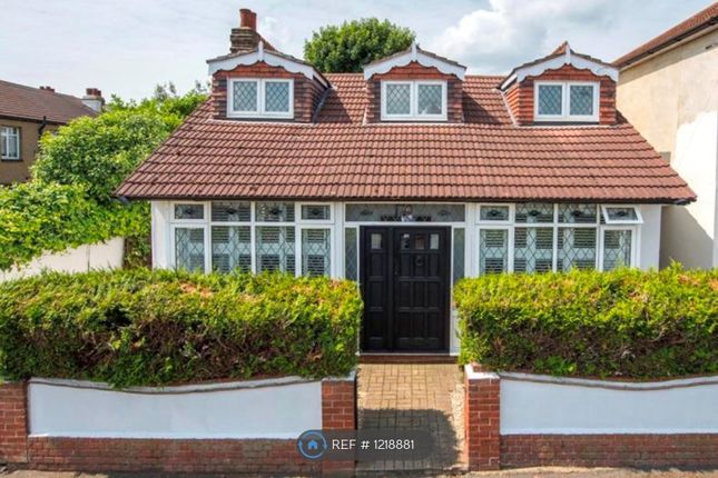 4 bed detached house to rent in Drummond Road, Romford RM7