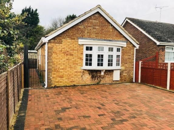 Thumbnail Bungalow for sale in Dunstable Road, Houghton Regis, Dunstable, Bedfordshire