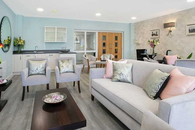 1 bedroom flat for sale in Ashley Drive, Banstead