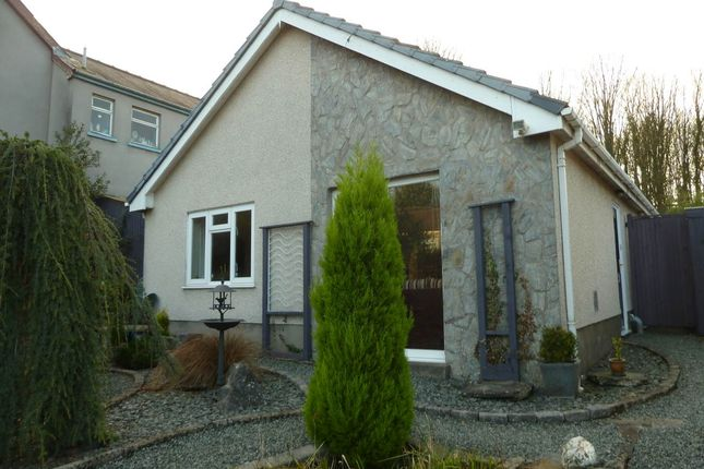 Thumbnail Bungalow to rent in Llansteffan Road, Johnstown, Carmarthen