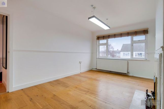 Thumbnail Flat to rent in Woodbridge Road, Barking