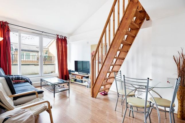 Flat to rent in The Grainstore, Royal Docks