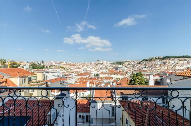 Thumbnail Apartment for sale in Chiado, Lisbon, Portugal, 1200-120