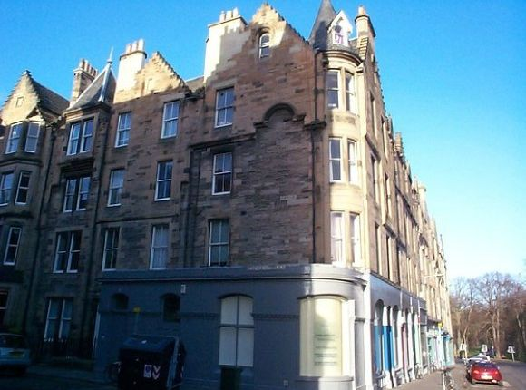 Thumbnail Flat to rent in Roseneath Terrace, Marchmont, Edinburgh