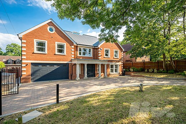 Thumbnail Terraced house to rent in Beech Hill, Hadley Wood