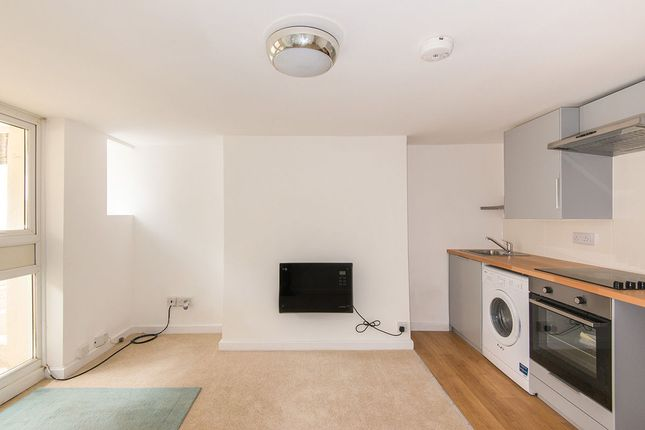 2 bedroom flat for sale in The Lodge, Banister Road, Shirley, Southampton