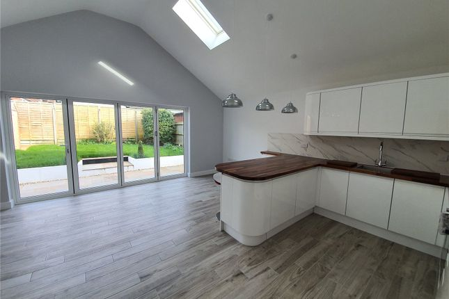 Thumbnail Bungalow to rent in Ash Grove, Kingsclere, Newbury, West Berkshire