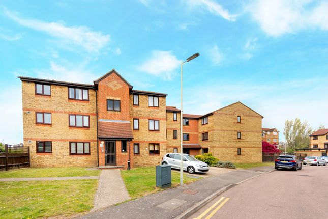 Studio for sale in Himalayan Way, Watford WD18